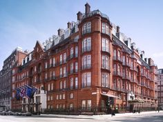 Claridge's, The Connaught and The Berkeley, together the Maybourne Hotel Group, are three of the world's most legendary luxury hotels, located in Mayfair and Knightsbridge in the heart of London. London Hotels, Best Hotel Deals, Best Hotels, Buckingham Palace, Doge Of Venice, Most Luxurious Hotels, Vintage Hotels, Das Hotel, City Style