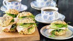 Fika, Sugar And Spice, Lchf, Salmon Burgers, Afternoon Tea, Food Inspiration, Sandwiches, Paleo, Food And Drink