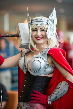 Lady Thor #cosplay | Long Beach Comic & Horror Con 2013 Lady Thor Cosplay, Marvel Cosplay, Cosplay Girls, Creative Costumes, Diy Costumes, Cosplay Costumes, Costume Ideas, Awesome Cosplay, Best Cosplay