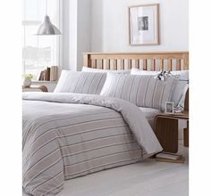 Bhs Neutral Somerset stripe printed bedding set, Vertical tonal natural stripe printed bedding set. Our essentials printed bedding range is now made using a new and improved quality 50/50 polycotton as well as becoming better value.Fibre Composition http://www.comparestoreprices.co.uk//bhs-neutral-somerset-stripe-printed-bedding-set-.asp