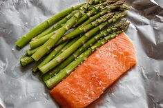 Salmon and Asparagus Foil Packs with Garlic Lemon Butter Sauce - - Whip up something quick and delicious tonight! - : Salmon and Asparagus Foil Packs with Garlic Lemon Butter Sauce - - Whip up something quick and delicious tonight! Salmon In Foil Recipes, Best Salmon Recipe, Delicious Salmon Recipes, Fish Recipes, Seafood Recipes, Healthy Dinner Recipes, Cooking Recipes, Keto Recipes, Baked Salmon And Asparagus