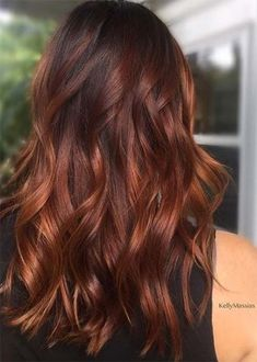 50 HOTTEST Balayage Hair Ideas to Try in 2020 - Hair Adviser - - Balayage hair will refresh your look and fix some flaws in the appearance. Find out what balayage highlights will suit your hair length, type and texture. Red Highlights In Brown Hair, Brown Auburn Hair, Auburn Hair Balayage, Red Ombre Hair, Hair Color Auburn, Hair Color Balayage, Brown Hair Colors, Balayage Highlights, Red Balayage Hair Burgundy