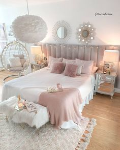 Modern Bohemian Bedrooms & Home Interior Decor Ideas: With the passage of time the demand and trend of the bohemian home decoration has been becoming the main talk of the town. Pink Bedroom Decor, Bedroom Decor For Teen Girls, Cute Bedroom Ideas, Room Design Bedroom, Girl Bedroom Designs, Room Ideas Bedroom, Home Room Design, Cosy Bedroom, Bed Room