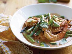 HBF Thrive » » Red prawn curry Michelle Bridges recipe