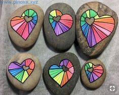 25 Gorgeous Painted Rocks Valentines Day Ideas 21 – Home Design Rock Painting Patterns, Rock Painting Ideas Easy, Rock Painting Designs, Paint Designs, Pebble Painting, Pebble Art, Stone Painting, Rock Art Painting, Painted Rocks Craft