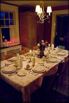 I am dying to have a murder mystery dinner party but it is so hard to find a free package... Finally found one to share