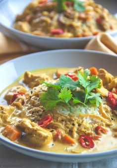 Thai curry masala - it reminded me of Wagamama's Surendra's curry Healthy Chicken Recipes, Asian Recipes, Cooking Recipes, Ethnic Recipes, Japanese Recipes, Savoury Recipes, Fast Recipes, Chinese Recipes, Japanese Food