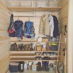Small Apartment Interior, Garage Interior, Snowboard Shop, Tiny House Living, Garage Organization, Asian Style, Small Apartments, Camping Gear, Wardrobe Rack