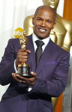 "4/23/14  11:28p   The Academy Awards Ceremony 2005:   Jamie Foxx  Best Actor Oscar  for ""Ray""  2004"