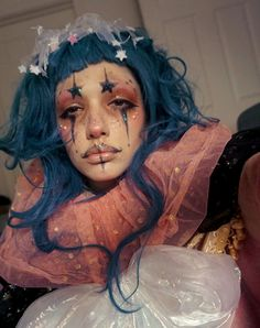 "orchid-ink: ""orangemoth: "" icewindandboringhorror: "" Sometimes I want to make one of my sculptures but I feel too tired/don't have the appropriate materials, so I just go the more low-effort route and. halloween makeup looks Clown Makeup, Costume Makeup, Makeup Art, Halloween Makeup, Makeup Inspiration, Character Inspiration, Makeup Inspo, Pierrot Clown, Alternative Makeup"