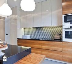 Aranżacje wnętrz - Kuchnia: Kuchnia - superpozycja architekci. Przeglądaj, dodawaj i zapisuj najlepsze zdjęcia, pomysły i inspiracje designerskie. W bazie mamy już prawie milion fotografii!
