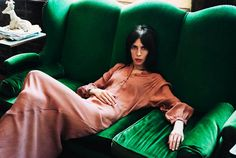 Jamie Bochert by Ami Sioux The couch! Velvet Green Couch, Green Sofa, Style Guides, Editorial Fashion, Fashion Photography, Colour Photography, People, Sioux, Women