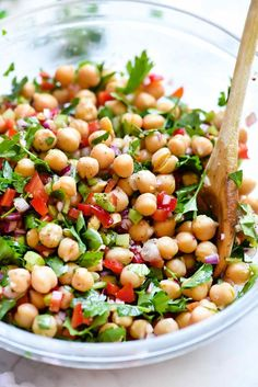 Outrageous Herbacious Mediterranean Chickpea Salad This easy Mediterranean garbanzo bean salad is infused with flavor thanks to a heaping helping of fresh herbs with a … Garbanzo Bean Recipes, Cooking Garbanzo Beans, Chickpea Salad Recipes, Bean Salad Recipes, Veggie Salads Recipes, Arugula Salad Recipes, Spinach Salads, Side Salad Recipes, Taco Salads