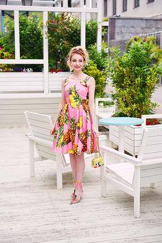 Dolce & Gabbana pineapple dress   #dolcegabbana #dolcegabbanadress #pineappleprint #dolcegabbanasummer