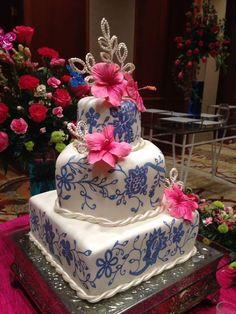 Tortas inspiradas en la hermosa pollera panameña.  Me parecieron divinas! Wedding Cake Decorations, Wedding Themes, Wedding Colors, Wedding Cakes, 15 Birthday Dresses, Panamanian Food, Elegant Cakes, Unique Cakes, 15th Birthday