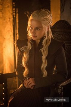"Daenerys Targaryen, Game of Thrones ""Beyond the Wall"" Emilia Clarke Daenerys Targaryen, Game Of Throne Daenerys, Winter Looks, Winter Is Here, Arte Game Of Thrones, Game Of Trone, The Mother Of Dragons, Game Of Thrones Episodes, My Champion"