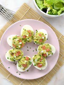 Huevos rellenos de aguacate y atún | Cuuking! Recetas de cocina