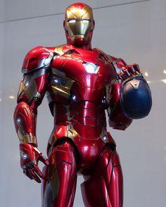 Marvel Heroes, Marvel Characters, Marvel Movies, Marvel Avengers, Iron Man Fan Art, Iron Man Wallpaper, Iron Man Avengers, Ironman, Marvel Comic Universe