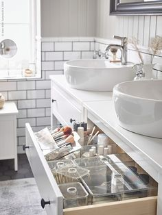 Clean up and recharge in this relaxing bathroom - IKEA Bathroom Drawers, Ikea Bathroom, White Bathroom, Bathroom Flooring, Bathroom Furniture, Hemnes, Bad Inspiration, Bathroom Inspiration, Bathroom Organization