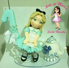 Alice fofinha em biscuit