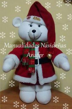 Elaborado en tela polar y napa siliconada. Hecho a mano. Medida: 50cm de altura. Christmas Room, Christmas Crafts, Xmas, Christmas Ornaments, Mery Chrismas, Felt Dolls, Reindeer, Christmas Stockings, Nativity