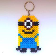 Portachiavi in hama beads con Minion di Cattivissimo me, fatto a mano, by La piccola bottega della Creatività, 5,00 € su misshobby.com
