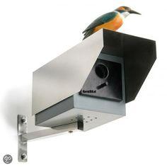 Nestkast ziet eruit als een beveiligingscamera