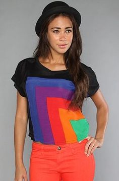 Motel The Tina Crop Top in Rainbow,Tops (S/S) for Women, Large,Black Multi   Motel - Women in Black