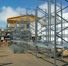 Montajes estanterías galvanizadas para exterior en Tenerife. Industrial, Tenerife, Multi Story Building, Room, Furniture, Home Decor, Commercial Shelving, Montages, Bedroom