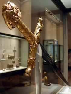 Joyeuse - The Sword of Charlemagne & Coronation Sword of French Kings. http://sword-site.com/thread/421/joyeuse-charlemagne-sword-oakeshott-type
