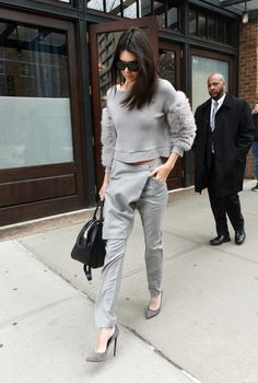 #streetstyle #fashion #fashiontrend #outfit #ootd #sleeves #statementsleeves #kendalljenner #style