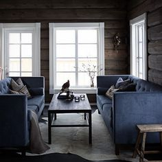 Signature Collection by Halvor Bakke Modern Log Cabins, Modern Lodge, My Living Room, Home And Living, Building A Cabin, Country House Interior, Cottage Interiors, Dream Decor, Log Homes
