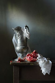 photo: Кувшин и гранат | photographer: Диана Амелина | WWW.PHOTODOM.COM