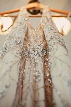 party / dress / 1920 / sequined / beaded / sleeveless / champagne / flower