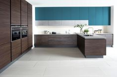 Modern & Stylish Handleless Kitchen