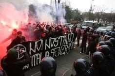 Milano, la polizia impedisce ai militanti di Lotta Studentesca di raggiungere la manifestazione antimafia organizzata da Libera.