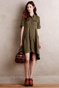 The color, the length, the details - a potentially flattering version of a shirtdress!