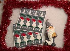 WP_20171009_18_29_36_Pro (2) Christmas Cats, Christmas Stockings, Christmas Ornaments, Crochet Potholders, Knit Crochet, Knitting Patterns, Crochet Patterns, Fair Isle Knitting, Graphic Patterns