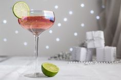 Jump into the festive spirit with this Pink Elephant Cocktail recipe. It& one of the quickest and easiest cocktails to throw together and tastes sublime. Pink Cocktails, Easy Cocktails, Cocktail Recipes, Cocktail Drinks, Tequila Drinks, Cocktail Ideas, Party Drinks, Drink Recipes, Gin