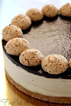 cheesecake with coffee & amaretti Sweet Cooking, Cheesecake Desserts, Spring Recipes, Biscotti, Cheesecakes, Gelato, Yummy Treats, Mousse, Flan
