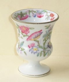 1850-70 MINTON HANDPAINTED PORCELAIN PEDESTAL EGG CUP. Part of the Egg-Centric Collection, Australia Fine Porcelain, Painted Porcelain, Ice Cup, Vintage Egg Cups, China Dinnerware Sets, Everyday Dishes, China Tea Cups, Ginger Jars, Tea Cup Saucer