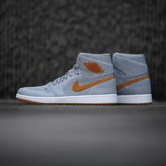 buy online 07c24 80fbe The Air Jordan 1 High Flyknit Wolf Grey (Golden Harvest) Arrives In A Few