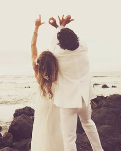 L.O.V.E. Beach Wedding picture inspiration - Picture idea - Love