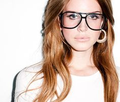 Glamour com a fashion LANA DEL REY