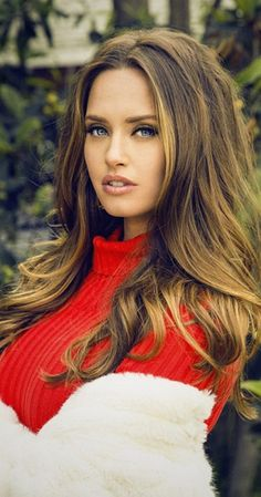 Merritt Patterson - her hair and makeup are perfection! Merritt Patterson, Canadian Actresses, Light Brown Hair, Most Beautiful Women, Beautiful Eyes, Beautiful People, Beautiful Actresses, Film, Her Hair