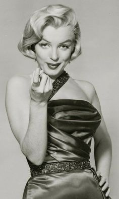 an angel in lace, a fabulous face Marilyn Monroe Quotes, Imperfection Is Beauty, Norma Jeane, Vintage Hollywood, Classic Hollywood, Vintage Glamour, American Actress, Movie Stars, Pin Up