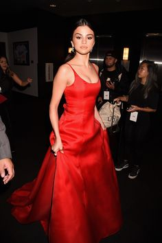 This could easily be Selena Gomez's most iconic look yet because she beamed confidence and beauty. At the 2016 AMA's Gomez stunned many in a ball gown by Prada. While later giving an award acceptance speech that had everyone talking.