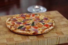 Want pizza in under 30 minutes? It's possible if you have a non-stick pan with a cover. Mix the pizza dough right in the pan! Easy Cooking, Cooking Time, Pizza Recipes, Vegetarian Recipes, Quick Recipes, Stovetop Pizza, Stove Top Recipes, True Food, Pizza Dough
