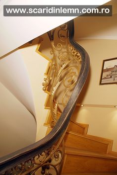 scari interioare lemn, mana curenta de lemn curbat, placare trepte de lemn, preturi proiectare amenajare