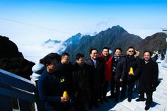 visitors who want to conquer the top of Fansipan by the cable car system